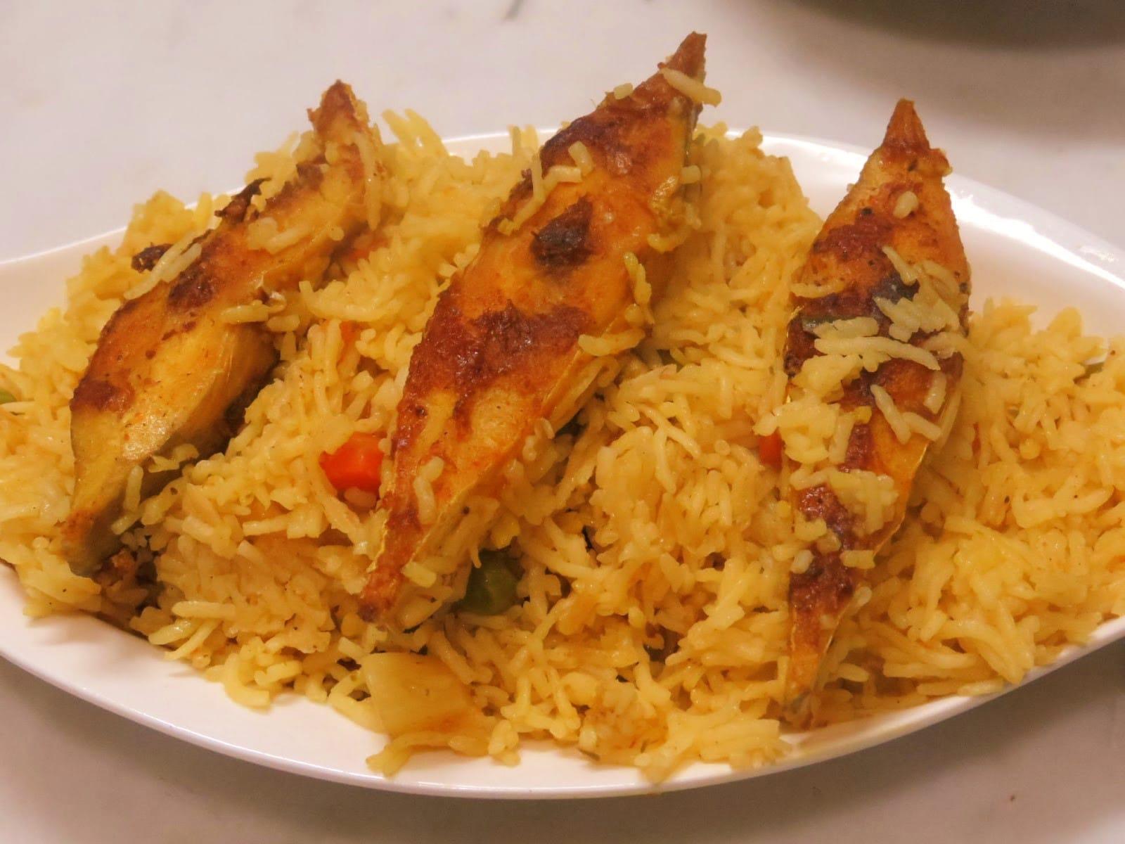 बंगाल में है 'फिश' सबका फेवरेट, और जब 'पुलाव' के साथ बनाएंगे 'फिश' तो बात होगी कुछ और